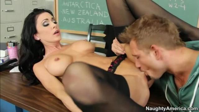 Секс видео с училкой с америке
